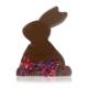 Handgegossener Schokohase aus Schweizer Zartbitterschokolade, mit Korn- und Rosenblüten dekoriert